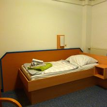 Krankenbett in R2