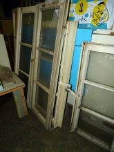 Holzfenster mit/ohne Glasscheiben u. Griffe