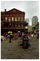 Platz des Pontalba Buildings am Jackson Squares rechte Seite