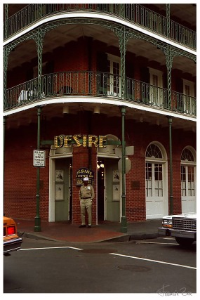 Desire Bar in der Rue Bienville mit Türsteher