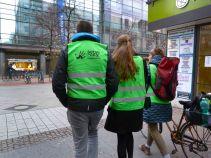 Serve the city auf dem Weg in die Georgstraße. Es gibt viel zu tun.